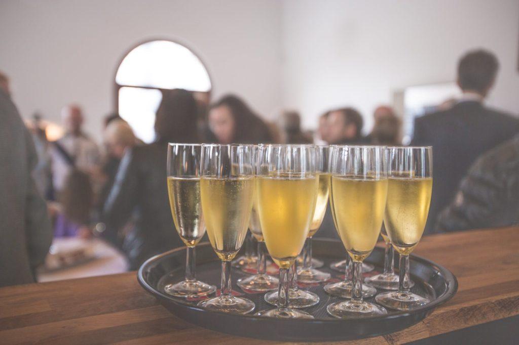 パーティーとシャンパン