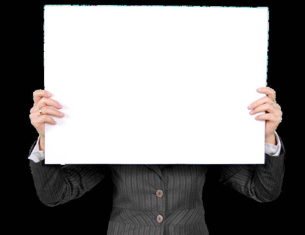 白板を持つ男性